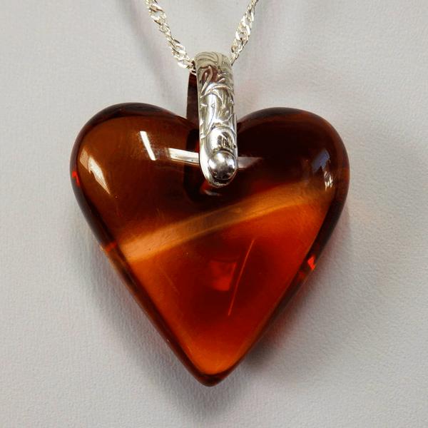 Deep-Orange-Citrine-Heart-with-Seed-Crystal